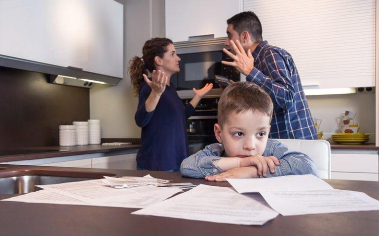 Ini Dampak Anak Menyaksikan Orangtua Bertengkar