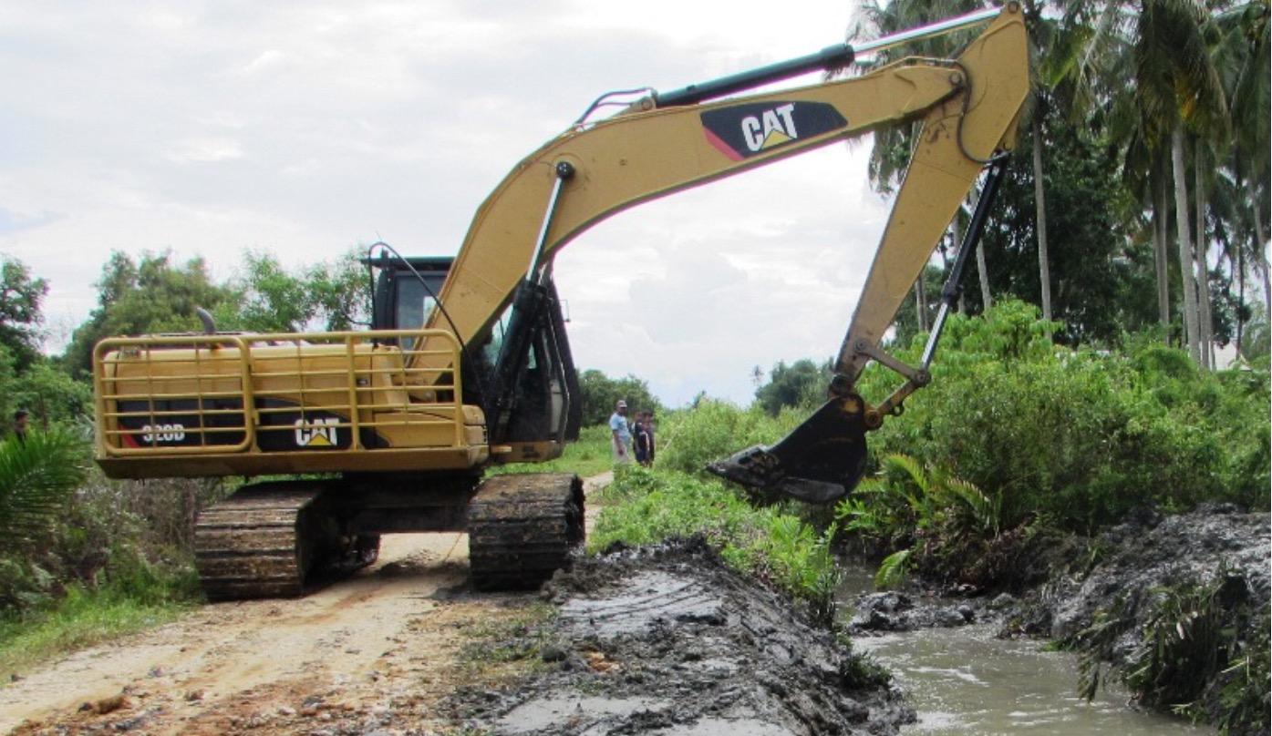 Walau Kondisi Devisit, Pembangunan Jalan Terus