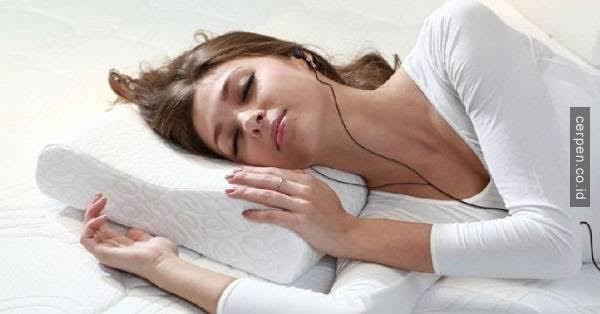 Empat Bahaya Menggunakan Earphone Saat Tidur