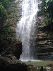 Air Terjun Tembinus di Desa Bumi Harapan Sektor Trunen Kecamatan Sepaku