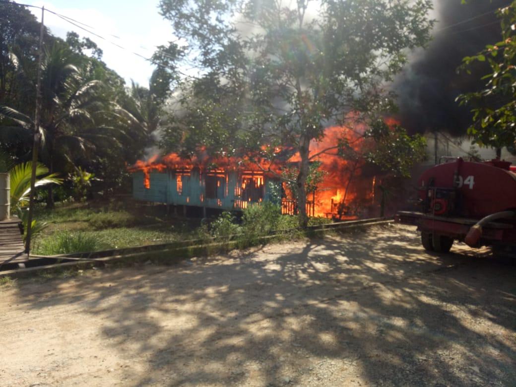 Lagi, Si Jago Merah Mengamuk, 1 Rumah, 1 Mobil dan 1 Motor Ludes Terbakar