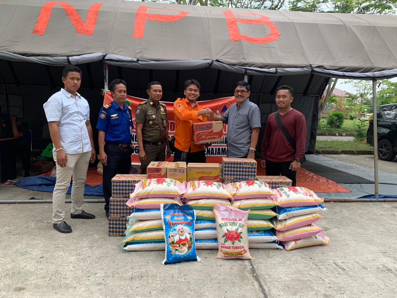 Reses Anggota DPRD Kaltim, Baharuddin Muin Sempatkan Beri Bantuan Korban Kebakaran