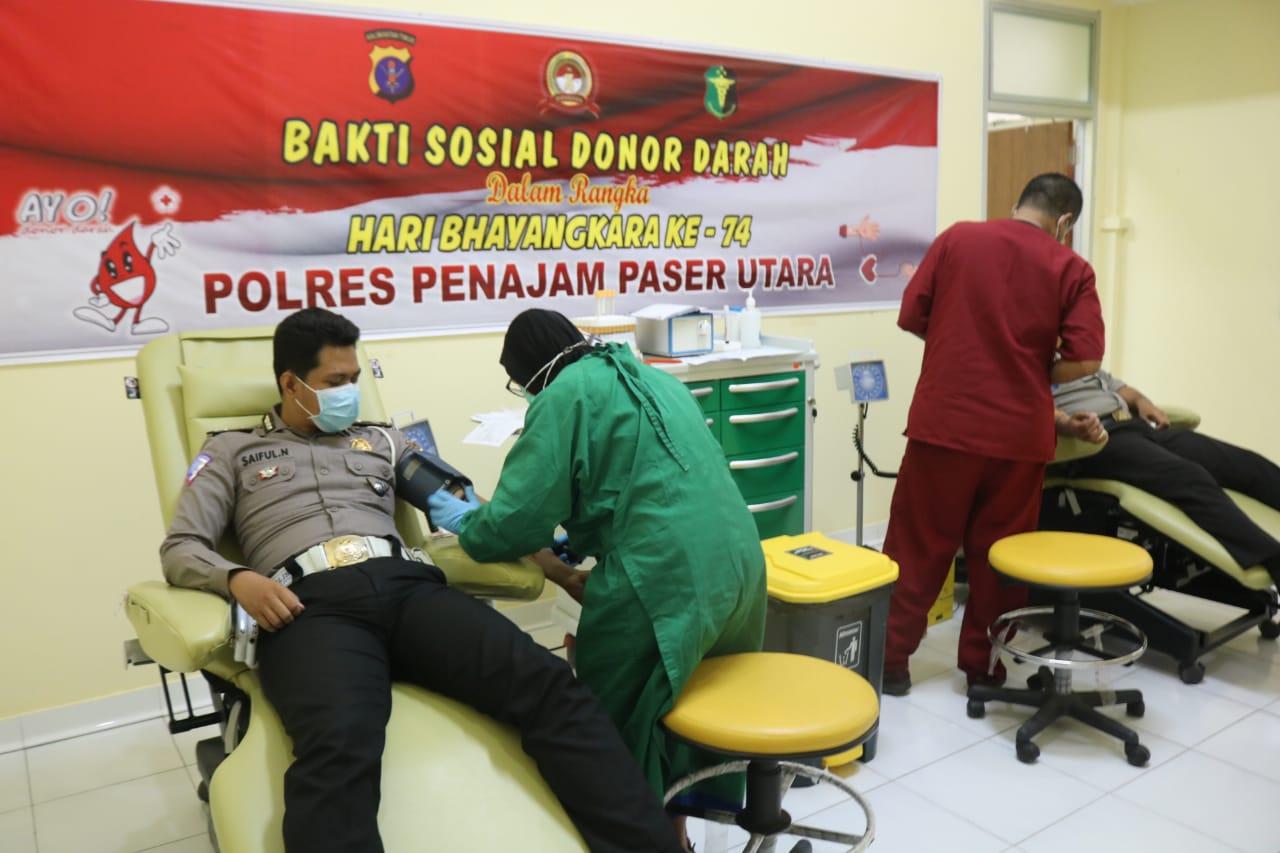 Memperingati Hari Bhayangkara ke-74, Polres PPU Gelar Donor Darah